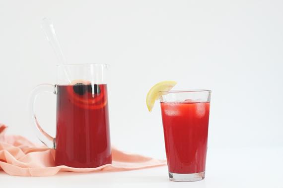 Blackberry Lemonade Spritzer || Jade and Fern