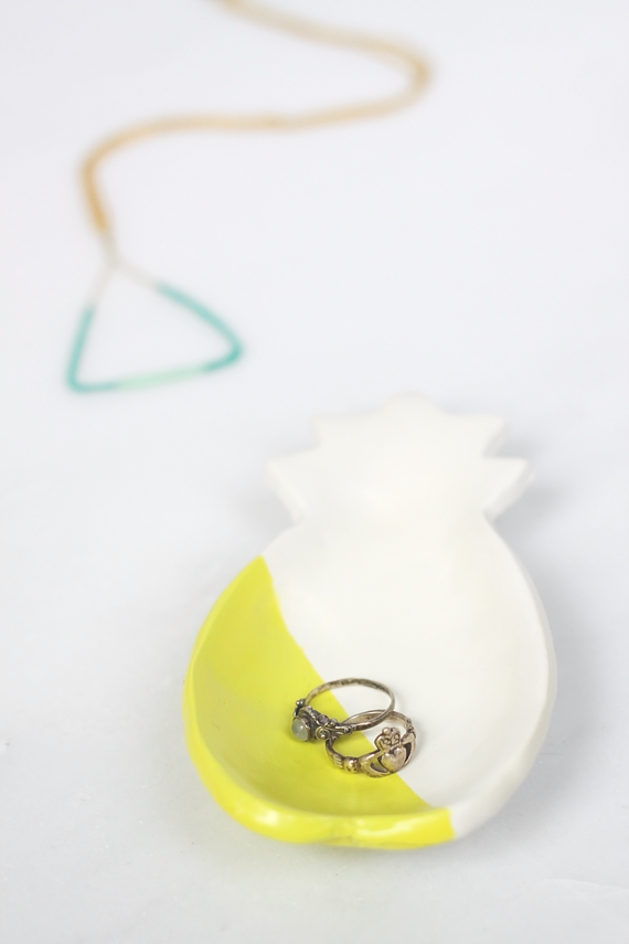 DIY Pineapple Ring Dish || Idle Hands Awake