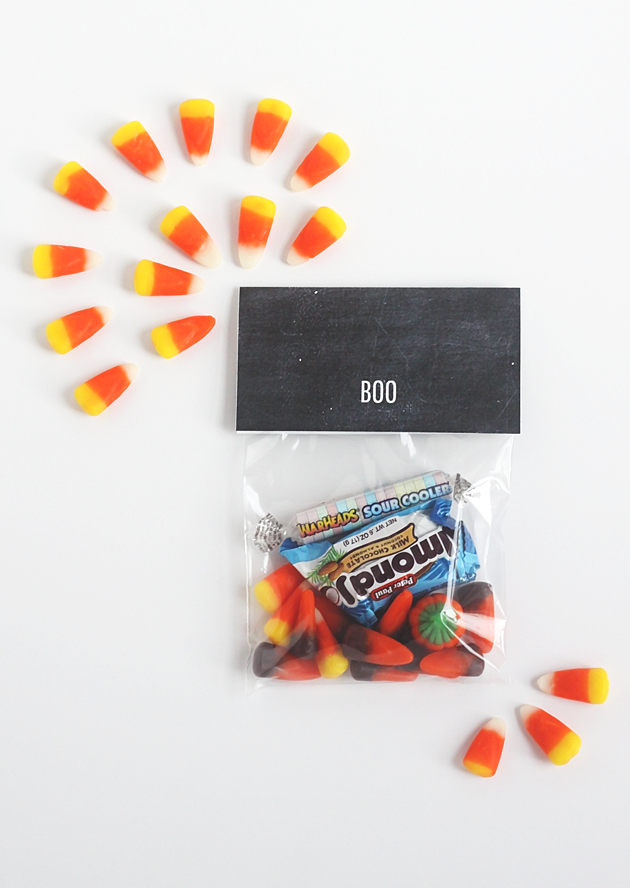 Minimal Halloween treat bag toppers - with printable! by Idle Hands Awake