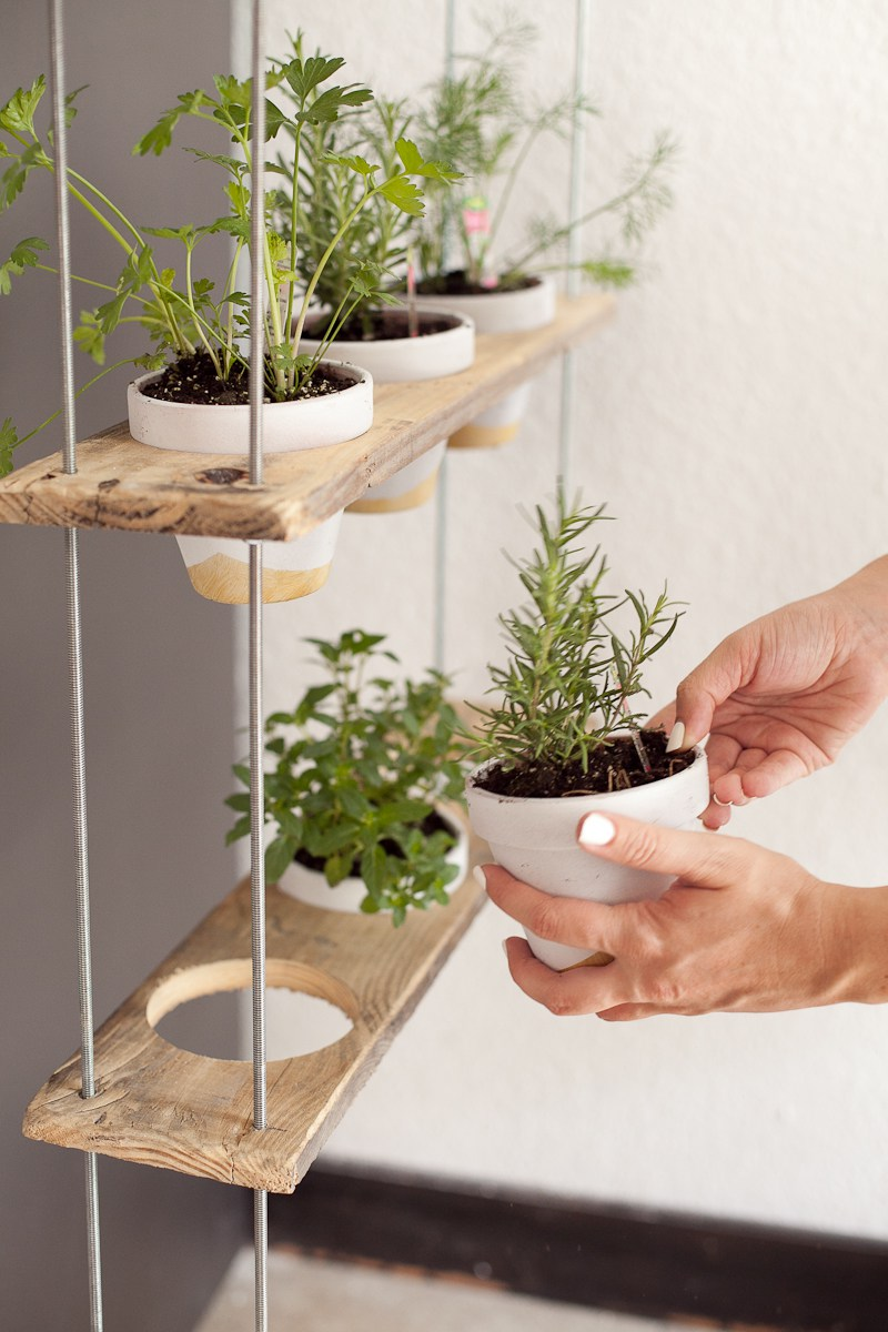 DIY Hanging Herb Garden by Fresh Mommy Blog
