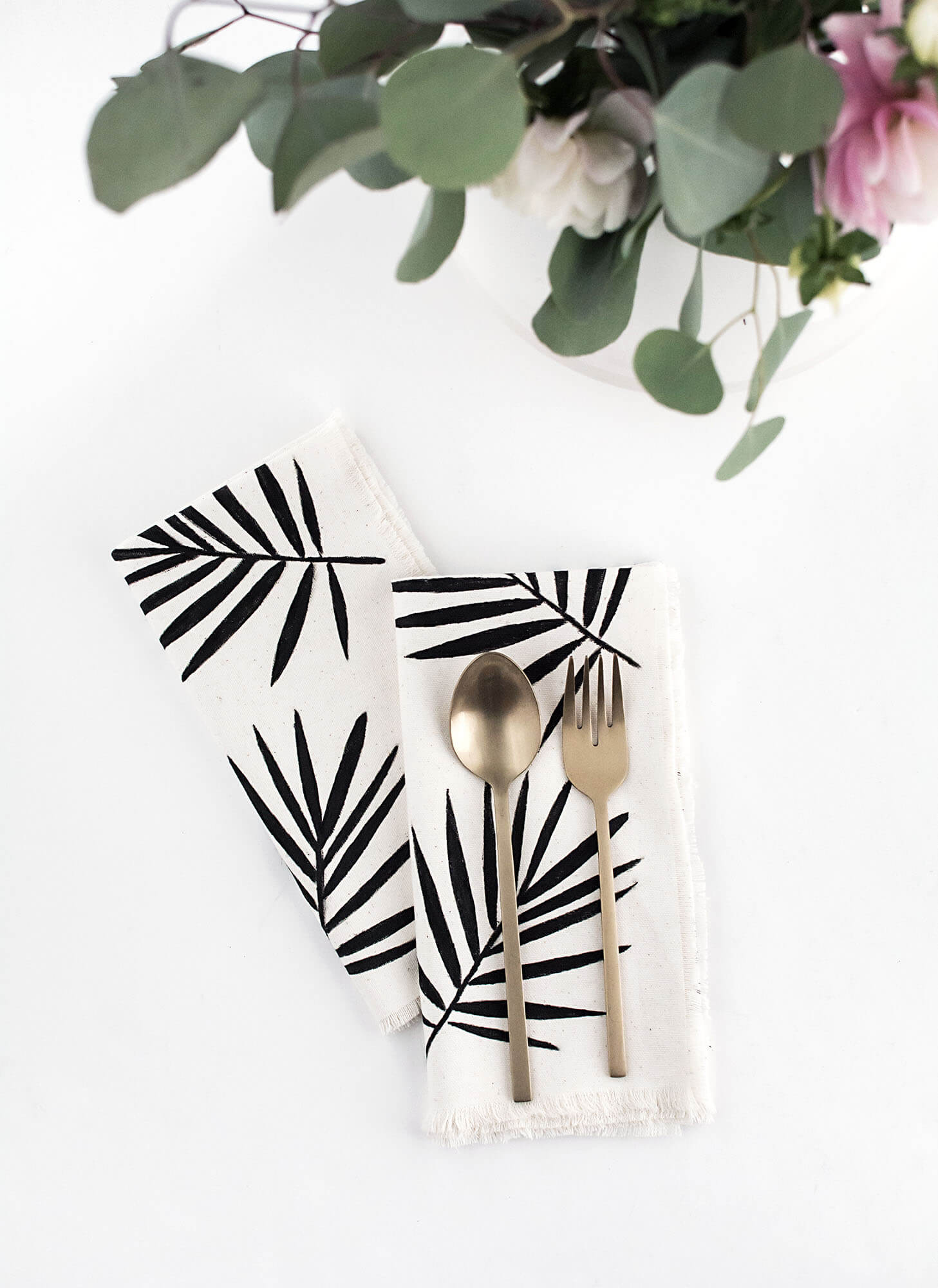 DIY Palm Leaf Napkins by Amy Kim