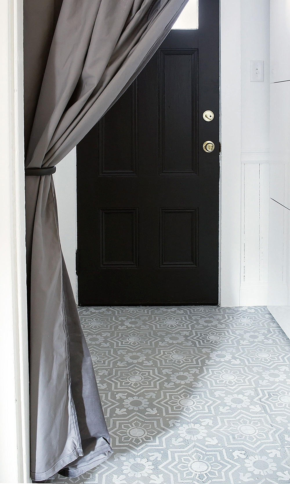 Entryway Makeover with IKEA @idlehandsawake