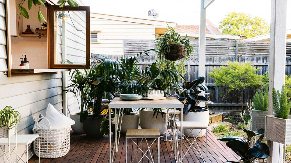 Eight Modern Urban Jungle Patio Ideas @idlehandsawake