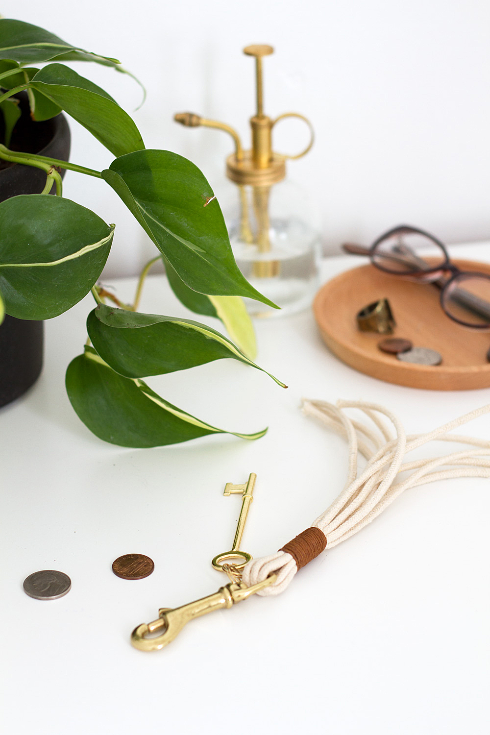 DIY Brass and Leather Keychain @idlehandsawake